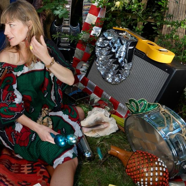 Nina Miranda + Instrumentos  Pic: Chris Franck