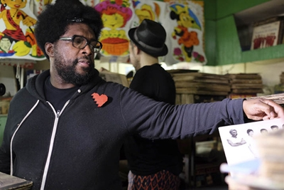 Questlove & Edgaro Productor'n'Jefe dig for records on International Record Store Day in Havana Cuba. Photo: Daniel Petruzzi